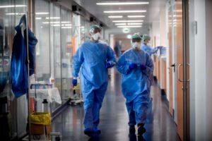 Coronavirus, Inps dà il via all'assunzione di personale sanitario in pensione
