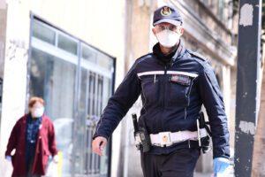 Falsi controlli di polizia nei condomini, la truffa ai tempi del Coronavirus