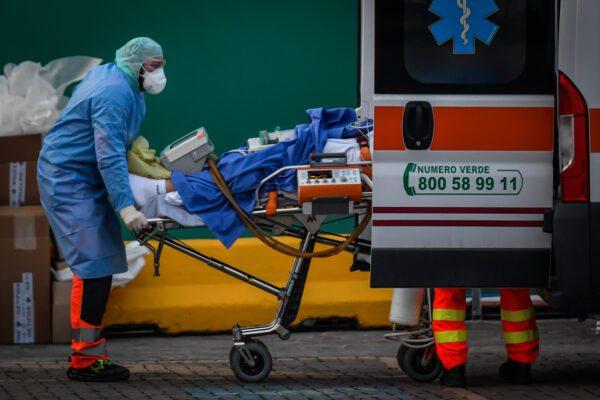 """Coronavirus, leggero calo di morti e contagiati: """"Al Sud nessuna impennata"""""""