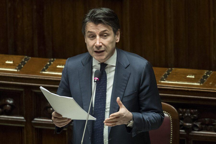 """Coronavirus, Conte parla alla Camera: """"Ad aprile nuovo decreto da 25 miliardi"""""""