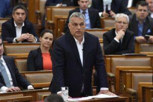 Il premier Orban prende pieni poteri, Ungheria diventa 'dittatura' a tempo indeterminato