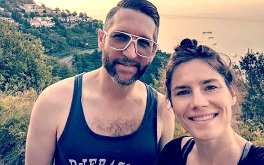 Amanda Knox si sposa, niente regali solo donazioni per la festa a tema Star Wars