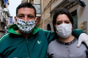 Perdono casa e 5 figli e vivono in macchina, catena di solidarietà per Mario e Angela