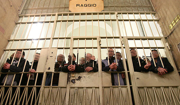 Procurata epidemia nelle carceri, denunciati Bonafede e Basentini (Dap)
