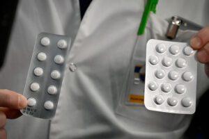 Coronavirus, autorizzati in Italia i farmaci antimalarici e anti-Aids