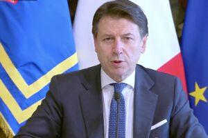 """Coronavirus, via libera al decreto 'Cura-Italia'. Conte: """"Manovra poderosa, attivati 350 miliardi"""""""