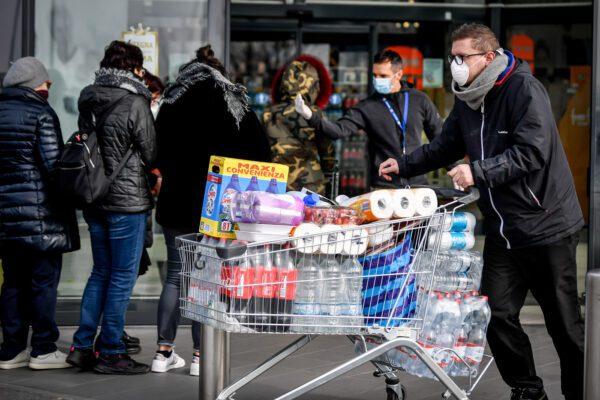 L'isterismo è più contagioso del coronavirus, così l'Italia ha perso la testa