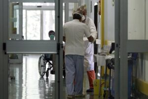 """Cura del Coronavirus, da Napoli cresce la speranza: """"Farmaco sperimentale dà buoni risultati"""""""