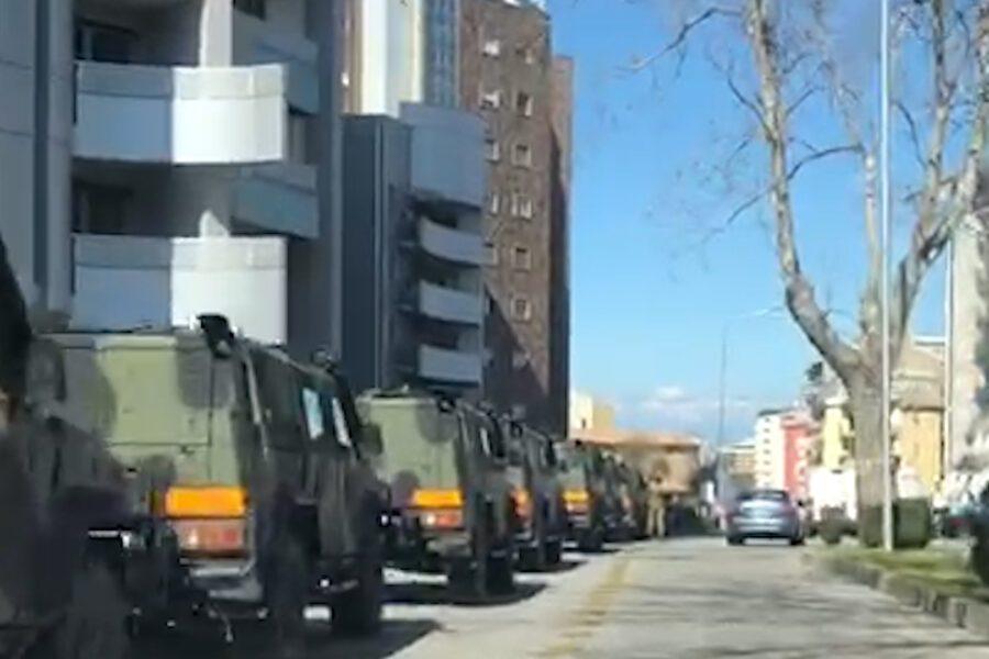 Carri armati in transito nelle città, l'esercito rientra dall'esercitazione Nato
