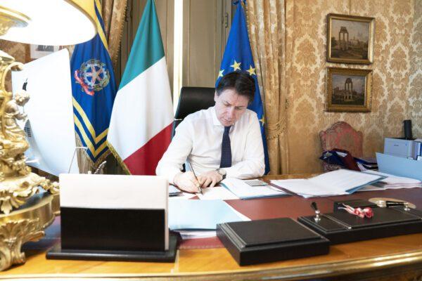 Accordo Regioni-Governo su riaperture: dal 3 giugno si sbloccano le frontiere per i cittadini Ue