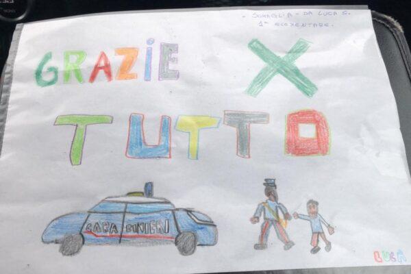 """Coronavirus, bimbo 'zona rossa' scrive una lettera ai carabinieri: """"Grazie di tutto"""""""