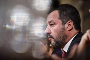 """Esplodono le proteste in carcere per il coronavirus, Salvini: """"No scarcerazioni, serve pugno di ferro"""""""