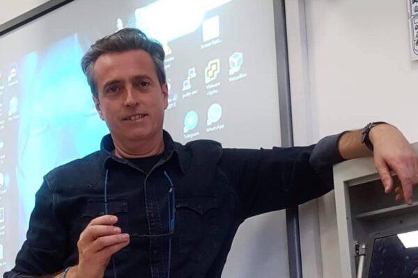 Il professore di Ceppaloni Carlo Mazzone (foto Facebook)