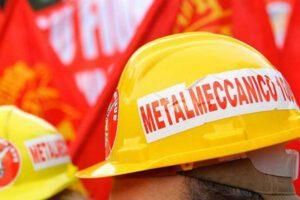 """Coronavirus, la protesta dei metalmeccanici: """"O sicurezza o sciopero"""""""