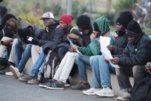 Case popolari ai migranti, la Consulta boccia le leggi leghiste