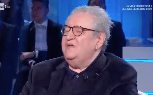 """Vincenzo Mollica va in pensione, emozione e ironia a Domenica In: """"Hai fatto la storia"""""""