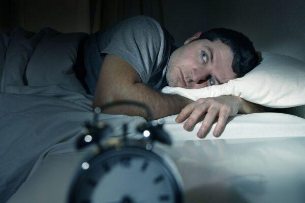 Coronavirus, crescono ansia e insonnia. Come combatterle in casa
