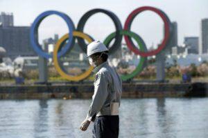 Allarme coronavirus, ipotesi rinvio per le Olimpiadi di Tokyo: 90mila i contagiati nel mondo