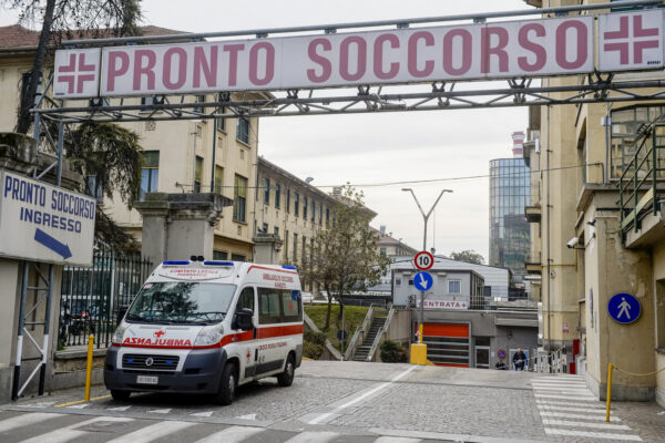 Coronavirus, coppia di anziani 'contagia' reparto delle Molinette di Torino: in quarantena medici e pazienti