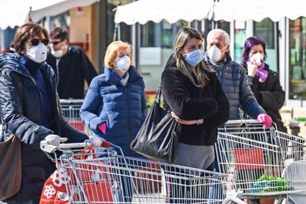 Supermercati chiusi a Pasqua e Pasquetta in Campania, la 'serrata' di De Luca contro il Coronavirus
