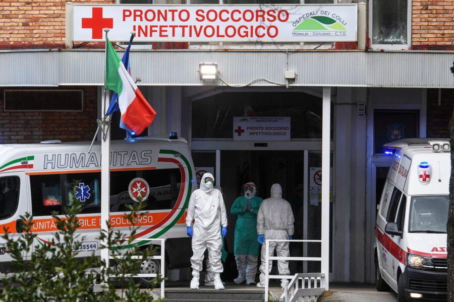 """Dall'estero elogi al Cotugno: """"E' l'ospedale migliore d'Italia contro il coronavirus"""""""
