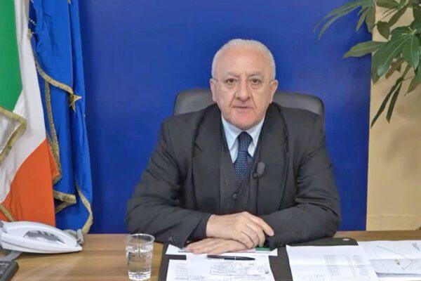 """Il piano di De Luca per la fase 2: """"Tamponi per tutti i cittadini della Campania"""""""