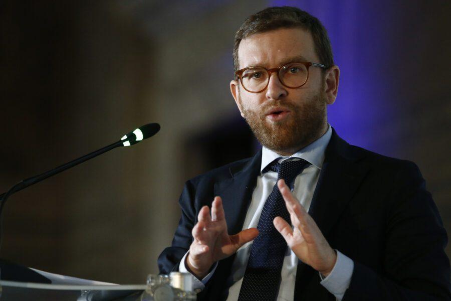 """Coronavirus, l'allarme del ministro Provenzano: """"Il Sud può esplodere, a rischio tenuta democratica"""""""