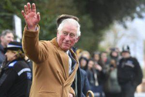 Il principe Carlo d'Inghilterra positivo al test per il Coronavirus