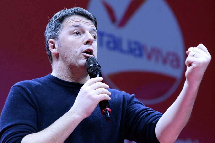 """Coronavirus, la ricetta di Renzi: """"Scuole riaperte a maggio e aziende prima di Pasqua. No assistenzialismo di Grillo """""""