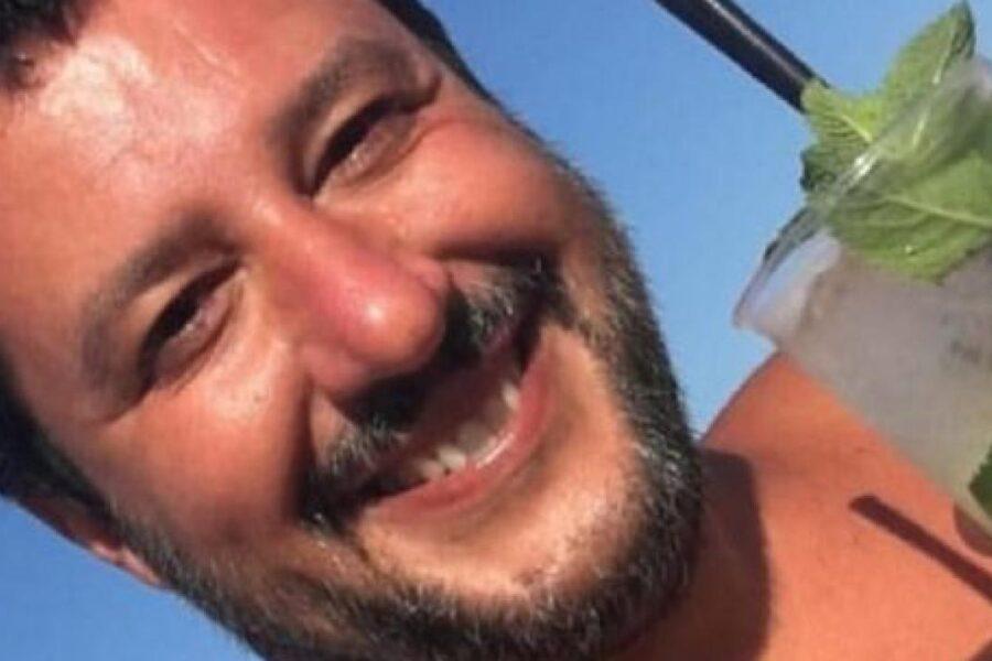 Salvini vergognati, la reazione dei social alla strategia della 'bestia' sul Coronavirus: sciacallo