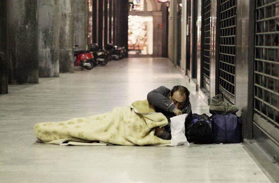 """Appello della Protezione Civile a comuni e regioni: """"Servono luoghi per i senzatetto"""""""