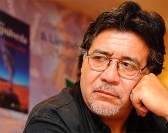 Lo scrittore Luis Sepulveda positivo al coronavirus