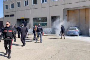 Detenuto muore durante la rivolta nel carcere di Modena