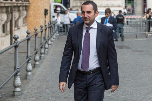 """La Serie A va avanti nonostante il Coronavirus. Il ministro Spadafora: """"Partite a porte chiuse"""""""