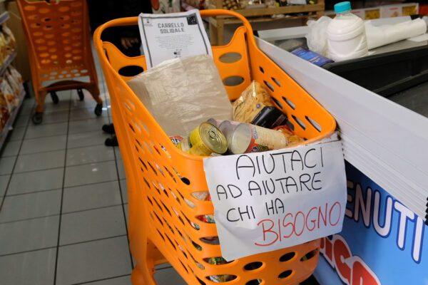 """Parte la spesa SOSpesa, le municipalità di Napoli in campo contro la crisi: """"Nessuno è solo"""""""