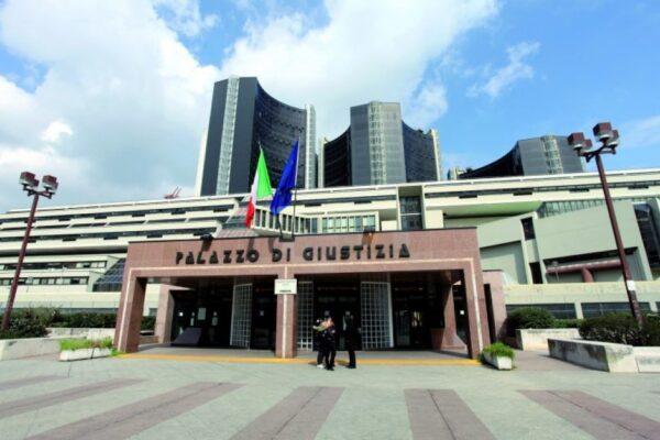 """Esame avvocati, a Napoli il 70% dei concorrenti è stato bocciato: """"Inammissibile, si controllino gli atti"""""""