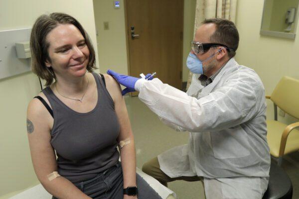 Coronavirus, negli Usa i primi test di vaccino sull'uomo