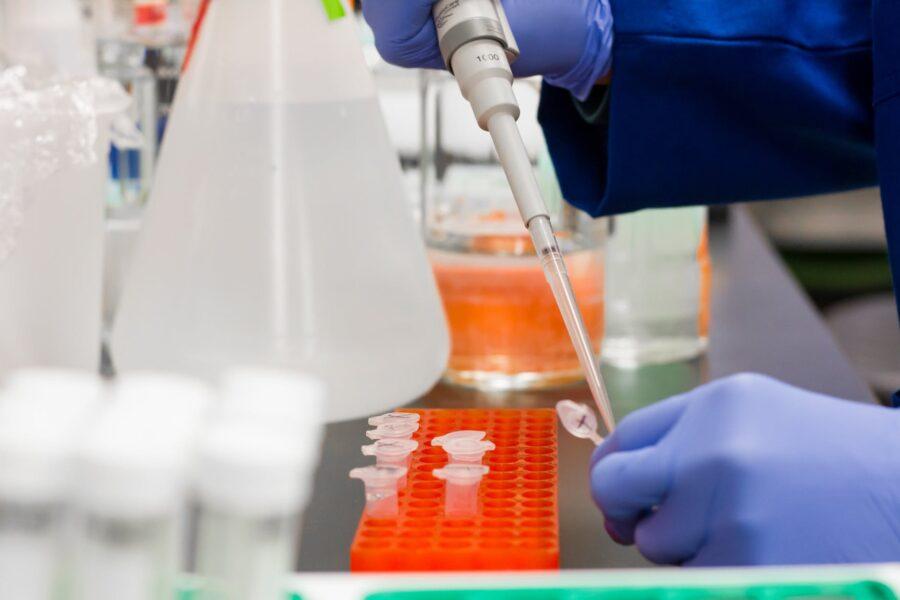 Coronavirus, via alla sperimentazione di 5 vaccini in Italia