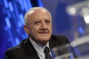 Sondaggio Regionali Campania: percentuali 'bulgare' per De Luca, lo votano anche a destra