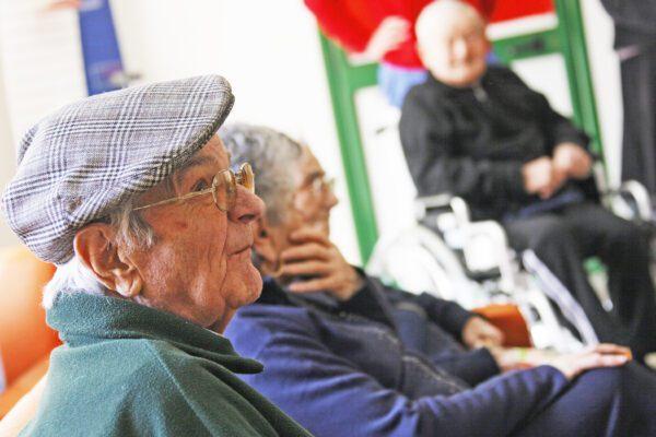 Strutture per anziani, è boom ma mancano i controlli