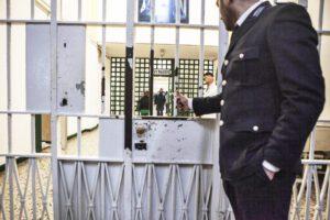 Allarme carceri, il virus dilaga: 58 detenuti e 178 agenti positivi