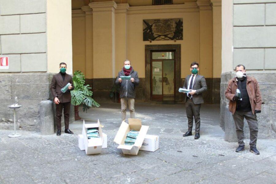 Confartigianato giovani, 10mila mascherine contro lo sciacallaggio: la consegna a de Magistris