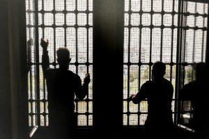 Dramma carceri: due suicidi in poche ore, ma tutti se ne fregano