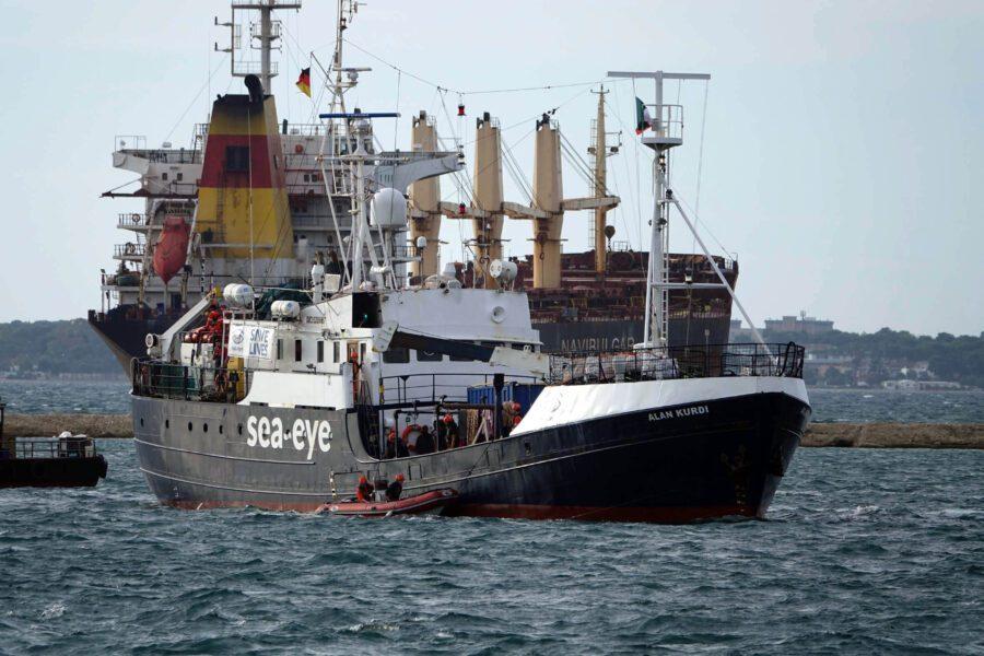 La nave Alan Kurdi in una foto dello scorso novembre (Foto Renato Ingenito/LaPresse03-11-2019 Taranto)