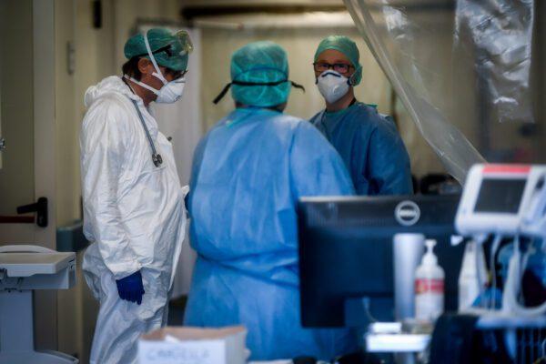 Coronavirus, il bollettino nero delle corsie: 127 i medici morti, 31 gli infermieri