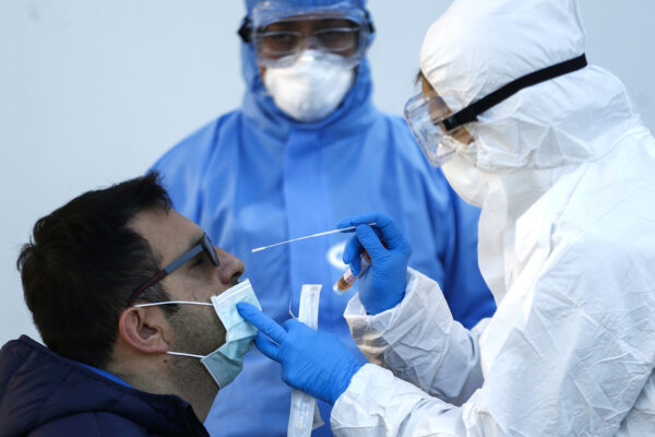 Campania, test rapidi in strada: i medici di famiglia scendono in campo