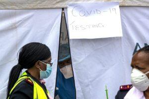 """Virus e razzismo, la folle proposta di medici francesi: """"Testiamo il vaccino sui negri"""""""