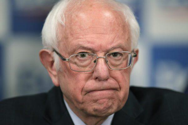 Bernie Sanders si ritira, tramonta il sogno socialista americano