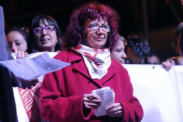 Nicoletta Dosio può tornare a casa, ma deve avere un campanello che funzioni…