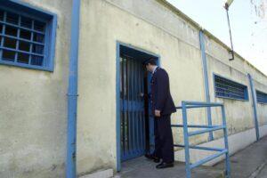 Sicilia, scoppiano le carceri: Palermo e Catania carnai